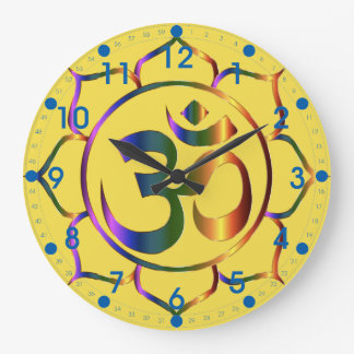青い数を用いる金属花柄Omの記号 ラージ壁時計