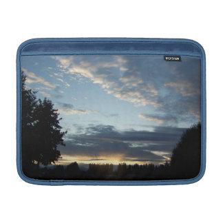青い日没によっては横のMacBookの空気袖が夢を見ます MacBook スリーブ