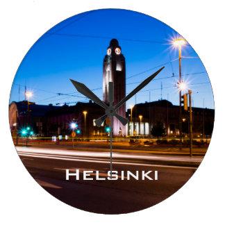 青い時間の間の中央ヘルシンキ ラージ壁時計