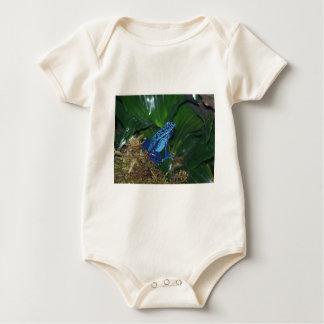 青い毒矢のカエルのポートレート ベビーボディスーツ