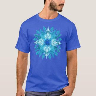 青い水のペイズリーの太陽の曼荼羅 Tシャツ