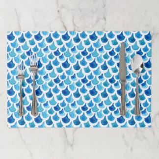 青い水彩画のスケールパターン ペーパーランチョンマット