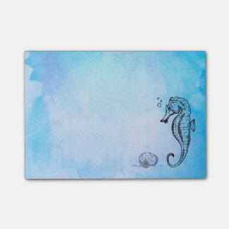 青い水彩画のタツノオトシゴそして貝殻 ポストイット