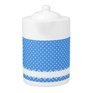 青い水玉模様及び白いレトロの点はティーポットを空想します