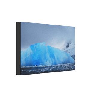青い氷山 キャンバスプリント