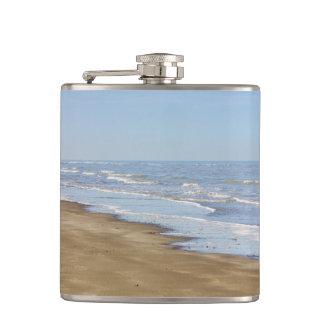 青い海および海岸の写真 フラスク