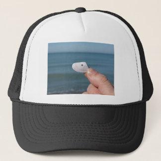 青い海が付いている手の貝殻の把握 キャップ