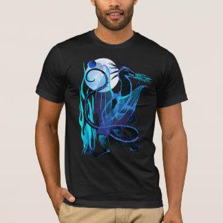 青い火および背景 Tシャツ