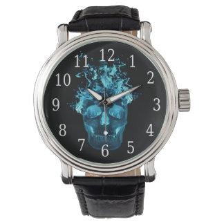 青い火のスカルの腕時計 腕時計