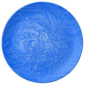 青い白熱手描きの熱狂するな種族の落書き 磁器プレート