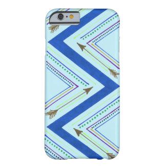 青い矢のジグザグ形の箱 BARELY THERE iPhone 6 ケース