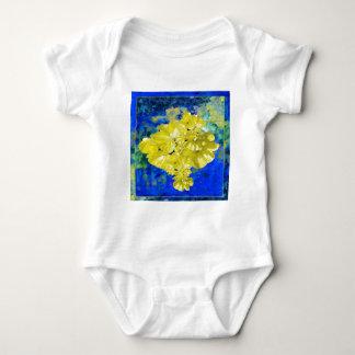青い礁湖のギフトの黄色い花 ベビーボディスーツ