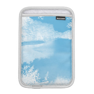 青い空気のようなファンタジー白い冬の川 iPad MINIスリーブ
