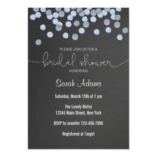 青い紙吹雪の黒板のブライダルシャワーの招待状 カード