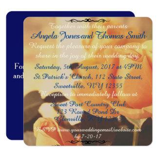 青い結婚式招待状を持つヴィンテージの黄色バラ カード