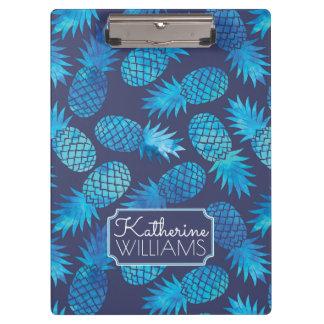 青い絞り染めのパイナップルは あなたの名前を加えます クリップボード