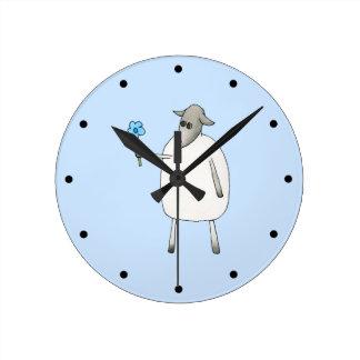 青い背景のヒツジ ラウンド壁時計