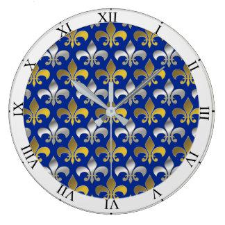 青い背景の銀および金ゴールドのアヤメ ラージ壁時計