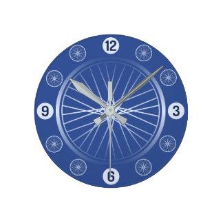 青い自転車の車輪 ラウンド壁時計