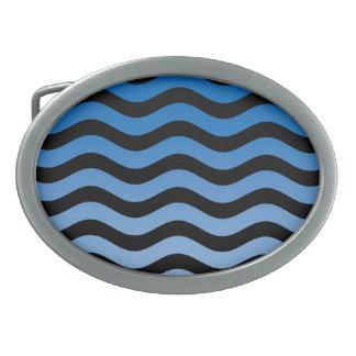 青い色相の波状のストライプな装飾 卵形バックル