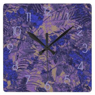 青い花に対するカムフラージュ スクエア壁時計