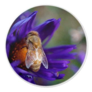 青い花の蜂 セラミックノブ