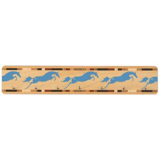 青い跳躍の馬 キーラック