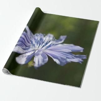 """青い野生の花の包装紙、30"""" x 6' ラッピングペーパー"""