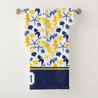 青い金ゴールドのタツノオトシゴパターンモノグラム バスタオルセット