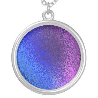 青い陰及び紫色の光沢がある抽象的な円形のネックレス シルバープレートネックレス
