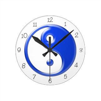 青い陰陽の円形の時計 ラウンド壁時計