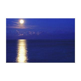 青い非常の海の平静上のすばらしい日没 キャンバスプリント