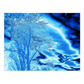 青い(カスタマイズ)郵便はがきの冬の木Nの雲 ポストカード