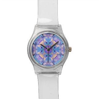 、青い、万華鏡のように千変万化するパターンの腕時計黄色紫色 腕時計