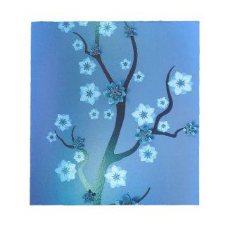 青いBokahの花の枝 ノートパッド