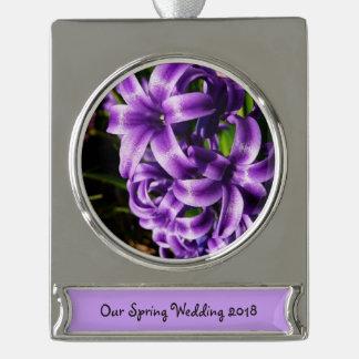 青いHyacinth IIの春の花柄 シルバープレートバナーオーナメント