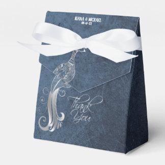 青いID486を結婚している銀製の孔雀 フェイバーボックス