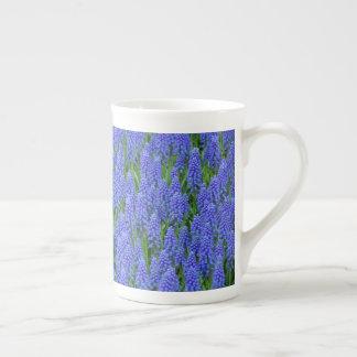 青いmuscariの花 ボーンチャイナカップ