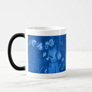 青いOctoberfestの修道士の秘密のレシピの変形させるマグ マジックマグカップ