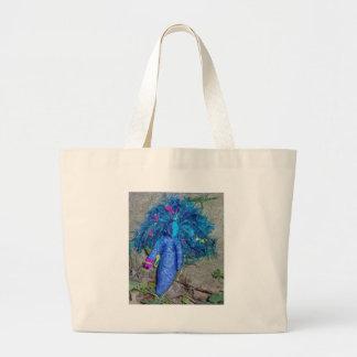 青いXavychupの女神の人形 ラージトートバッグ