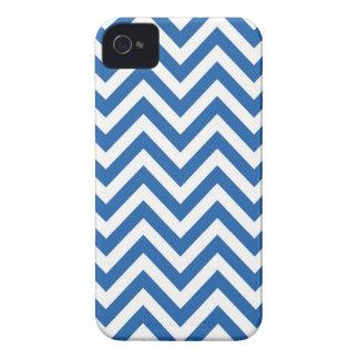 青および白いシェブロンのジグザグパターン Case-Mate iPhone 4 ケース