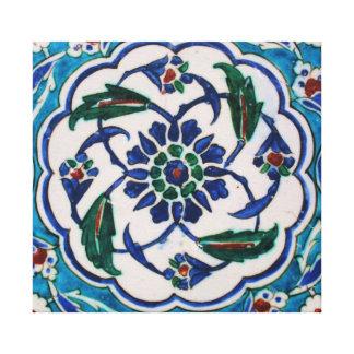 青および白い花のオットマン時代のタイルのデザイン キャンバスプリント