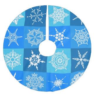 青および白い雪片のクリスマスツリーのスカート ブラッシュドポリエステルツリースカート