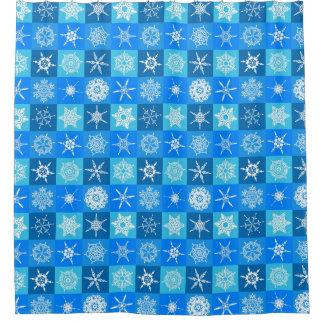 青および白い雪片のシャワー・カーテン シャワーカーテン