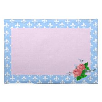 青および白い(紋章の)フラ・ダ・リのピンクのバラ ランチョンマット