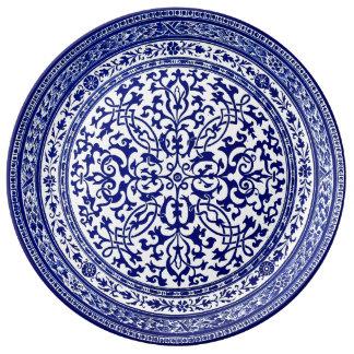 青および白く16世紀なローマのデザイン 磁器プレート