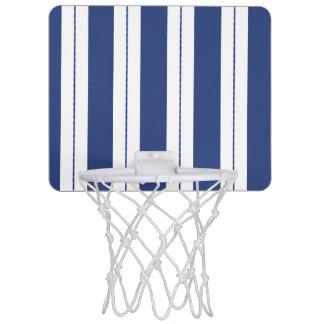 青および白のストライプのバスケットボールたが ミニバスケットボールゴール