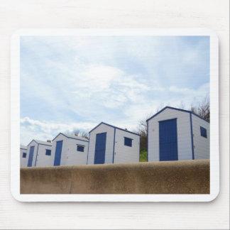 青および白のビーチ小屋 マウスパッド