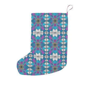 青および紫色の角度パターンが付いている汚れガラス スモールクリスマスストッキング