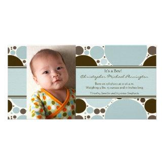 青および茶色のモダンは男の子のベビーの発表に点を打ちます カード